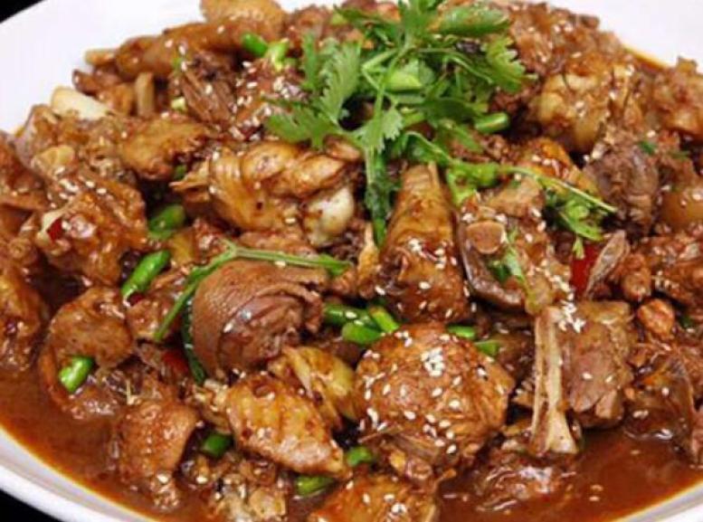 周老太苗寨铁锅焖鸭加盟
